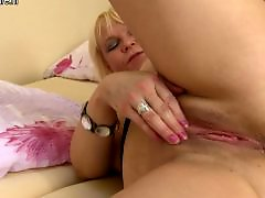 Squirting moms, Squirting mom, Squirt amateurs, Squirt amateur, Squirt old, Squirt mom