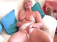 Rub tit, Tits rub, Tits granny, Tits granni, Tit rub, Rubbed pussy