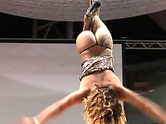 Public blonde, Pole dance, Lovely girl, Danc مصرى, Dancing girls, Dancing}