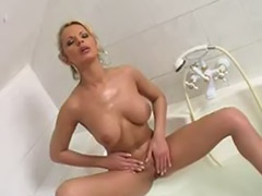 Solo bath, Girls in bath, Bath blonde