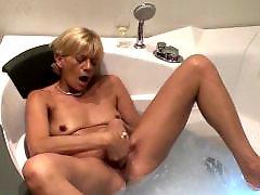 Mama masturbates, Mama hči, Mature masturbation blonde, I love mature, Bathtube, Amateur blonde mature