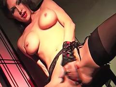 Striptease lingerie solo
