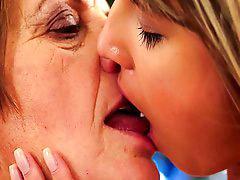 Doris, Grandmas, Grandma