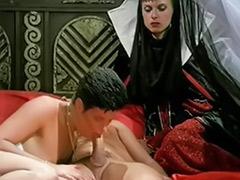 سکس تر, ملکه