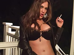 Woman sexi, Smoking fetish