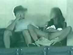 العادة السرية بنات في العلن, فرك كس على كس, إستمناء أمام الملأ