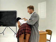 طلاب, اوليفيا, طالبه