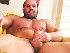 Han s j, Hotel gay, Hotel
