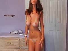 Chicas desnudandose, Ropa