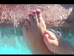 Teen foot, Teen feet, Teen wet, Wetting, Wetness, Wet teens