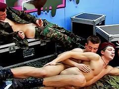 Униформа анал, Огромный хуй гея