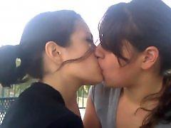 Lesbian, Kiss