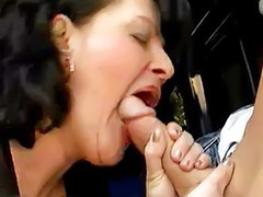 Mom anal, Anal mom