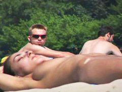 Nudistas playa