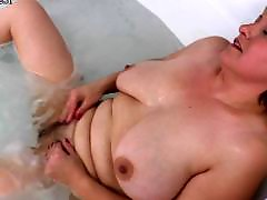 Milf hairy, Mama hči, Mature hairy, Mature bathing, Mature bath, In bath