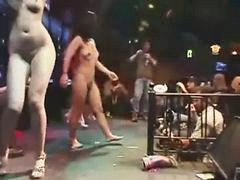 Nackte mädchen, Nackt tanzen