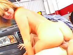 Cum on girls, Car girl