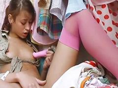 دختربچه کپل, دختر با دختر نوجوان