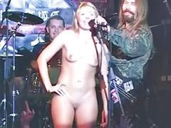 Public naked, Naked public