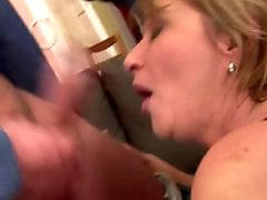 Young mom, Young & mom, Vaginas, With moms, With mom, Matures cums