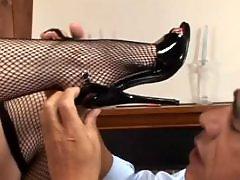Teen foot, Table masturbation, Table, Waxed, Pussy on pussy, Masturbating blowjob