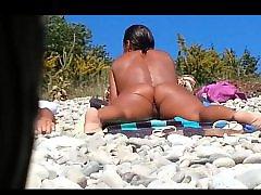 Voyeur beach, Pussy small, Pussy on pussy, On beach, Beache, Beach voyeur
