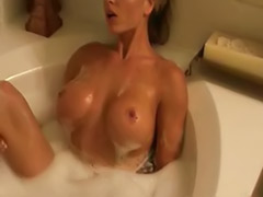 Solo bath, Bubble bath, Bubble, Bath blonde, Bath