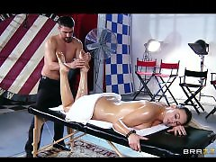 Rubbed, Rub her, Rub, Pov big, Masseure, Oiling