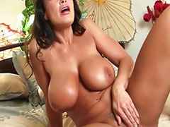 Solo ass toy, Lisa in, Lisa annئهدنش, Lisa ann, Girl man, Big tits milf solo