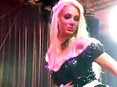 Public strip, Public blonde, Stripping dance, Stunning blond, Stunning, Danc مصرى